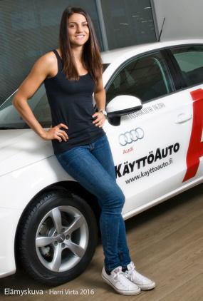 Aitajuoksija Nooralotta Neziri ajaa Käyttöauton Audilla