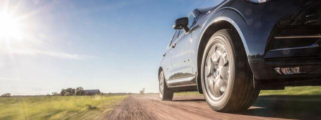 Auton renkaat – tärkeimmät vinkit renkaanvaihtoon, hankintaan ja säilytykseen